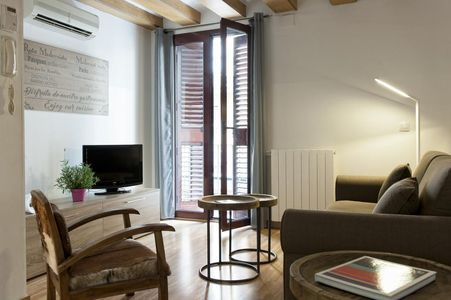 MH Apartments Liceo 3* Старый Город