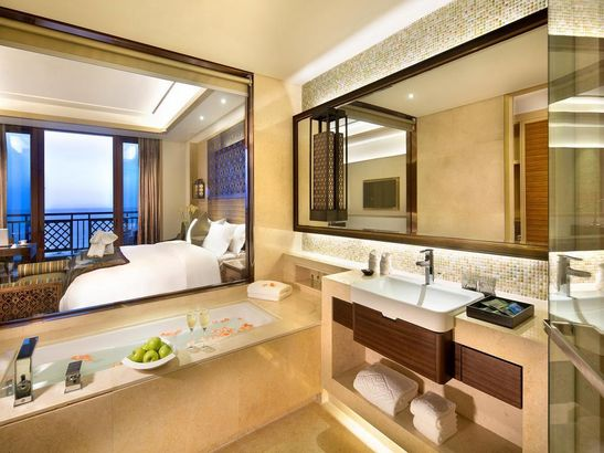 Sanya Bay Guest House All Suites Санья Китай