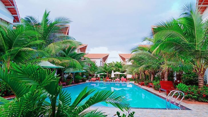 Camellia Resort & Spa