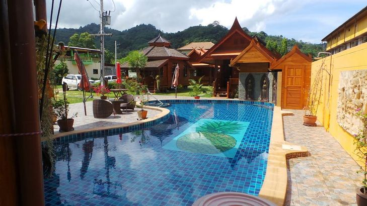 Golden Teak Resort Baan Sapparot