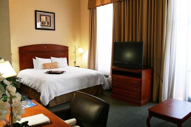 Hampton Inn & Suites Sherman Oaks 3*