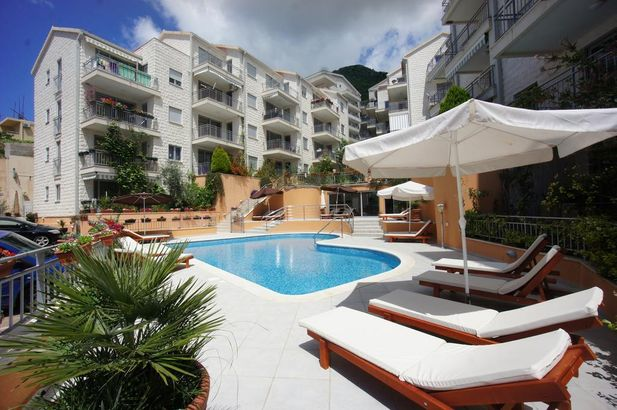 Petrovac Bay Apartments