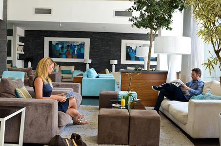 The George Urban Boutique Hotel
