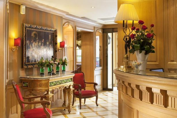 Hotel Chambiges Elysees 4*