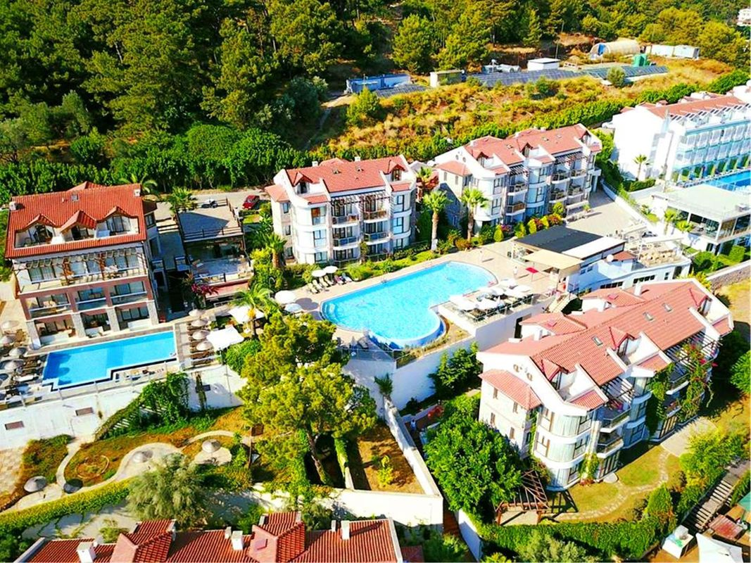 Golden Life Heights Deluxe Suite Hotel  (ADULTS ONLY)