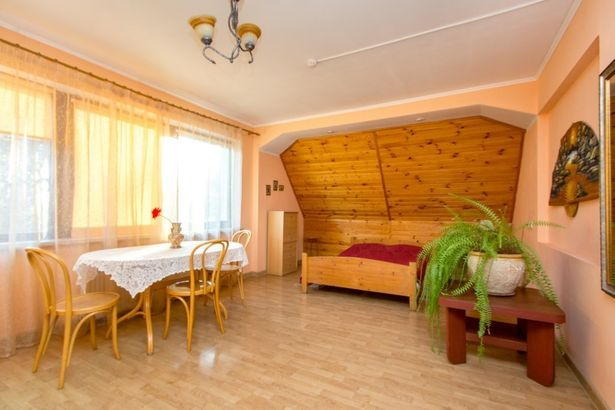 У Озера hotel_category.name