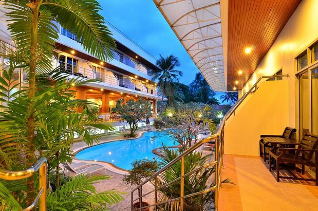 Samui First House Hotel 3*