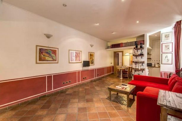 Lovely Flat in Fontana di Trevi Apts