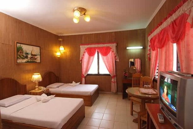 Alona Kew White Beach Resort 3*