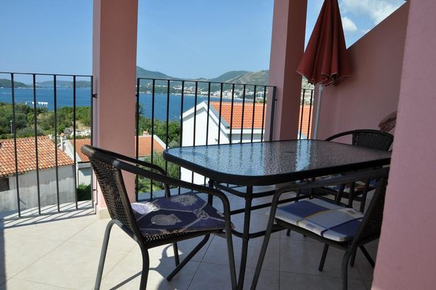 Apartments Villa Luka 3*